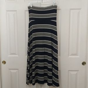 Gap gray and navy striped maxi skirt/dress size M